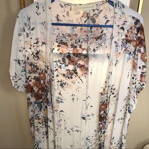 Lovestitch Size M Cream & Floral Button Kimono
